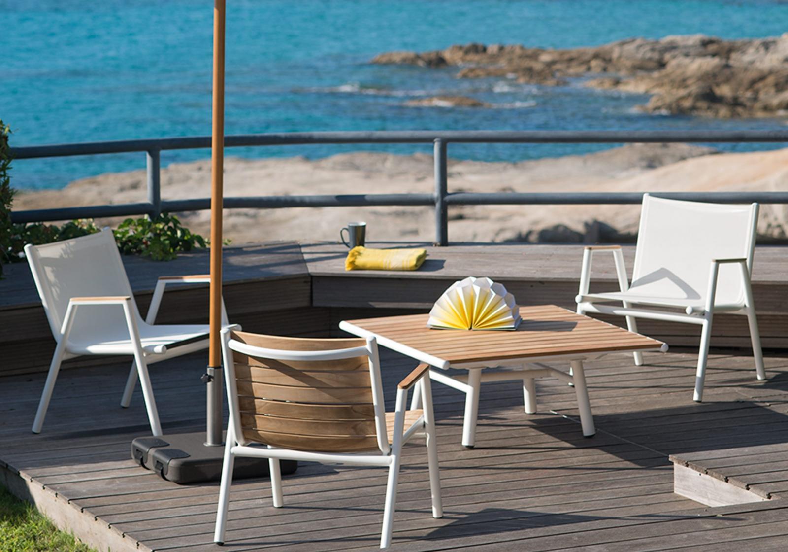 meubles et luminaires de jardin design fermob lyon magasin de meubles design lyon. Black Bedroom Furniture Sets. Home Design Ideas